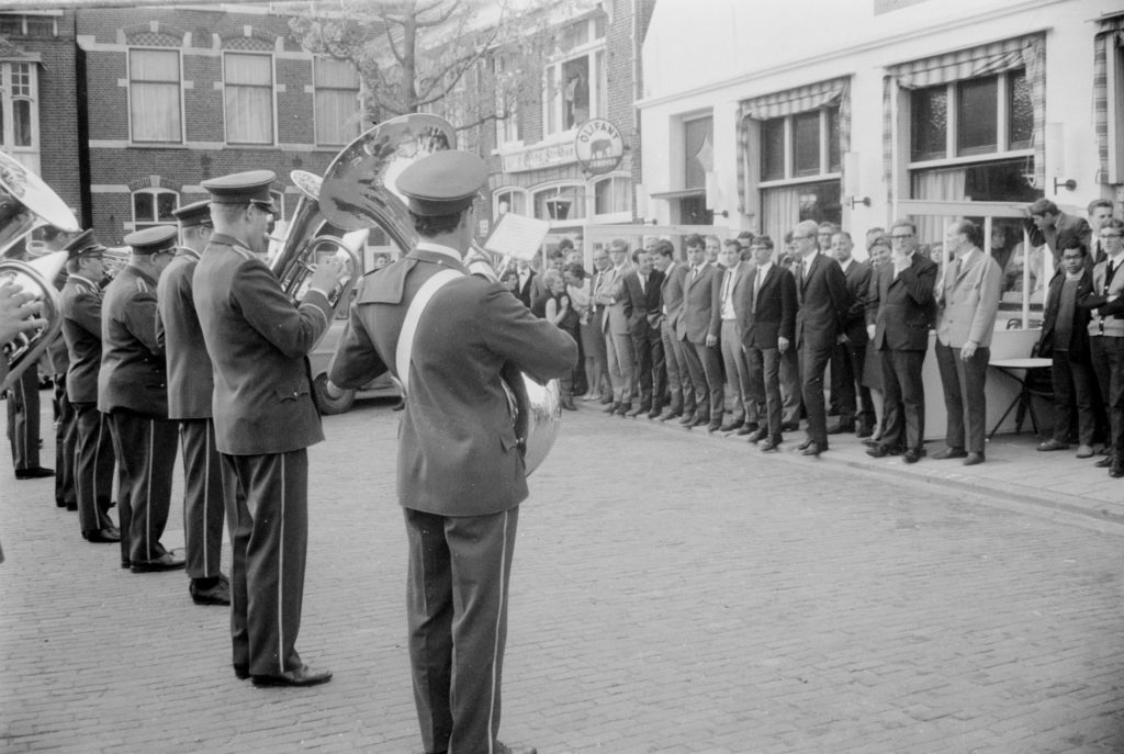Aubade door de Schager Harmoniekapel in 1967